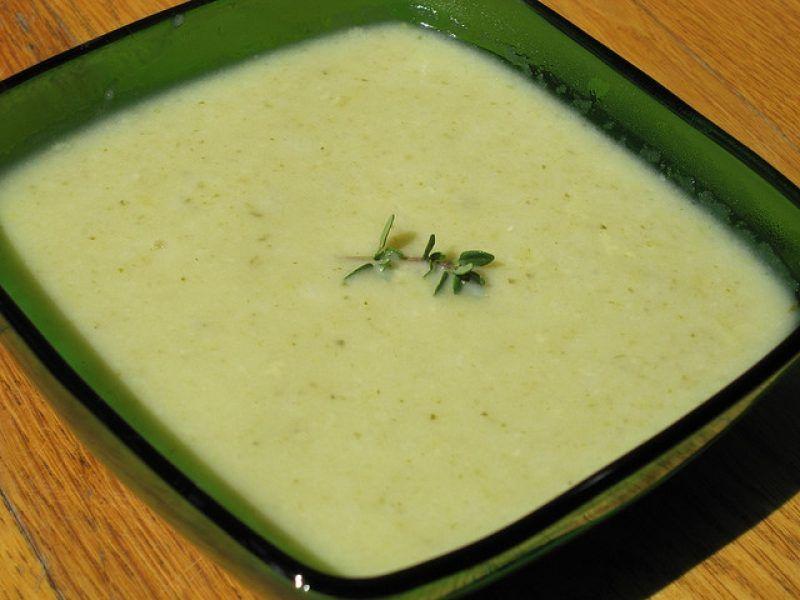 Рецепт Простой салат с тунцом и сельдереем  все рецепты